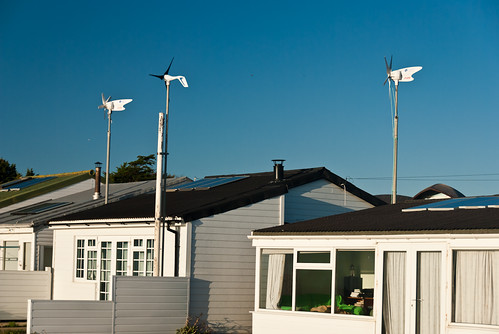 holiday beach home solar power wind hut hillhead (Photo: David Blaikie on Flickr)